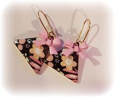 Retro flower triangle