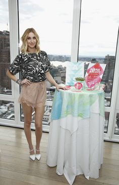 Whitney Port is waiting to buy wedding dress until 'the last minute' Whitney Port Hair, New Hair Do, Audrina Patridge, Buy Wedding Dress, Wedding Paper Divas, Hair Creations, Pinterest Fashion, Long Hair Cuts, Red Carpet Fashion