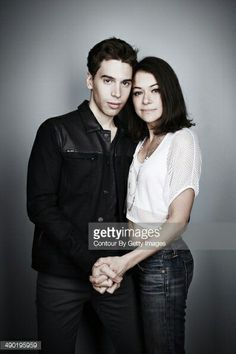 Jordan Gavaris & Tatiana Maslany