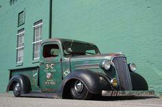 I like the paint Vintage Pickup Trucks, Classic Pickup Trucks, Chevy Pickup Trucks, Dodge Trucks, Chevrolet Trucks, New Trucks, Custom Trucks, Cool Trucks, Dually Trucks