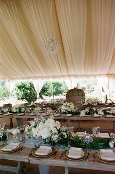 California wedding with gorgeous romantic and rustic details. Take a look at all the moments captured by Michael and Anna Costa Photography Budget Wedding Flowers, Rustic Wedding Reception, Outdoor Wedding Venues, Mod Wedding, Wedding Bells, Wedding Bouquets, Reception Ideas, Wedding Ceremony Decorations, Wedding Table Settings
