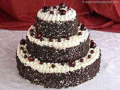 Wedding cake recipes 756745543608107523 - Forêt noire façon Wedding Cake Source by Macaron Bleu, German Baking, Square Wedding Cakes, 40th Birthday Cakes, Black Forest Cake, Chocolate Shavings, Cake Designs, Cupcake Cakes, Cake Recipes