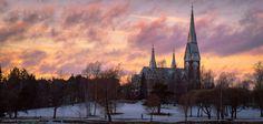 This evening in Joensuu. #Joensuu #Finland #Suomi #valokuvaus #Kirkko #Church #sunsets - http://jasontiilikainen.com  pic.twitter.com/yD0goXR9BE