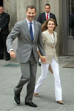 MYROYALS &HOLLYWOOD FASHİON: Crown Prince Felipe and Crown Princess Letizia Attend Red Cross Fundraising Day in Madrid, September 3, 2013