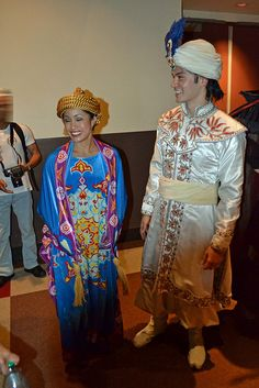 Meeting Magic Carpet and Prince Ali/Aladdin after watching Aladdin: A Musical Spectacular by Loren Javier, via Flickr