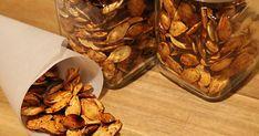 Recette: Graines de Citrouille Rôties au Four - Circulaire en ligne Healthy Bars, Vegan Cookbook, No Cook Desserts, Some Recipe, Granola Bars, What To Cook, Pumpkin Recipes, Dog Food Recipes, Appetizers