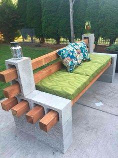 Скамейка из блоков