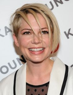 Michelle Williams' edgy new haircut -- Yes or No?