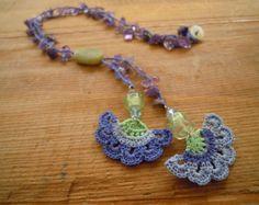 crochet flower necklace burgundy pink carnation by PashaBodrum