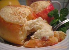 Яблоки печеные с творогом - вкусно, нежно, полезно.  Десерт этот полезный и низкокалорийный, подходит даже для детского питания после одного года и диетического стола. Предлагаю ашему вниманию два рецепта на выбор, приятного аппетита!Ингредиенты:Яблок…