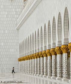 A cleaner in the Abu Dhabi mosque, United Arab Emirates. Religious Architecture, Art And Architecture, Abu Dhabi, Holiday Accommodation, World View, Sharjah, United Arab Emirates, North Africa, Solitude