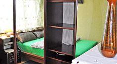 2-pokojowe mieszkanie na osiedlu Paderewskiego w Katowicach. Powierzchnia nieruchomości to 44.5 m2, na których mieszczą się dwa pokoje, łazienka, w pełni wyposażony aneks kuchenny i sypialnia.    Agent nieruchomości: Marta Kulawik TELEFON: +48 665 167 906 http://remax-gold.pl/oferta/wynajme-2-pokojowe-mieszkanie-na-osiedlu-paderewskiego-w-katowicach