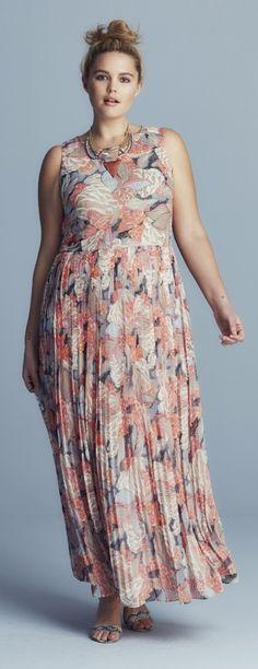 Plus Size Pleated Maxi Dress