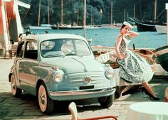 Now THAT is a gal that knows how to accessorize!!!    Fiat 600
