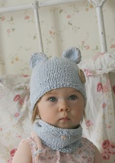 Ravelry: Mouse hat and cowl set with a cute tail pattern by Muki Crafts Baby Knitting Patterns, Christmas Knitting Patterns, Arm Knitting, Kids Knitting, Knitting Projects, Crochet Patterns, Toddler Cowl, Double Pointed Knitting Needles, Paintbox Yarn