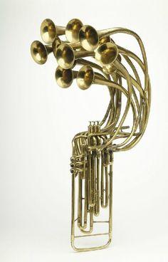 Twelve Bell Trumpet Confira aqui http://mundodemusicas.com/lojas-instrumentos/ as melhores lojas online de Instrumentos Musicais.