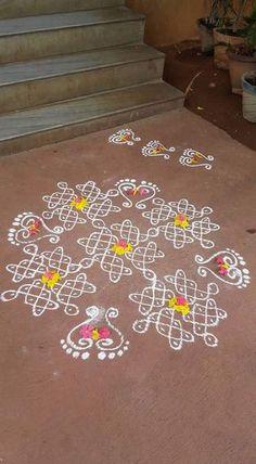 Art deco pattern design simple Ideas for 2019 Rangoli Designs Flower, Small Rangoli Design, Rangoli Border Designs, Rangoli Designs Diwali, Rangoli Designs With Dots, Rangoli Designs Images, Rangoli With Dots, Flower Rangoli, Beautiful Rangoli Designs
