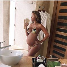 How can you look so fine pregnant?