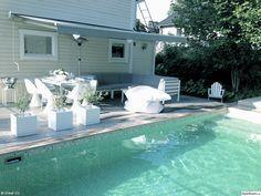 pool,veranda,mosaik,utemöbler,utesoffa,olivträd,terass,terassvärmare,markis,Berså