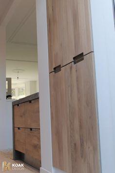 Koak Design makes real oak doors for IKEA kitchen cabinets. Koak + IKEA = your design! Teal Cabinets, Kitchen Cabinets To Ceiling, Ikea Kitchen Inspiration, Ikea Metod Kitchen, Interior Design Advice, Tadelakt, Kitchen Remodel, Kitchen Reno, Beautiful Kitchens