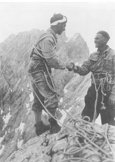 Toni Kurz and Andreas Hinterstoisser – Ed Stokes – Join the world of pin Alpine Climbing, Mountain Climbing, Rock Climbing, Eiger North Face, Climbing Workout, Photo Vintage, Legoland, Extreme Sports, Outdoor Adventures