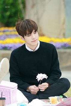 he outshines the flower wowie Day6, Fandom, Warner Music, Kim Wonpil, I Still Love Him, Young K, Korean Boy, Piano Man, Korean Bands