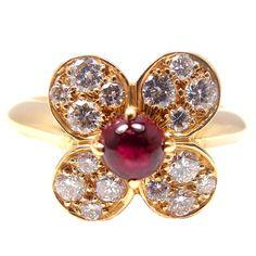 VAN CLEEF & ARPELS Diamond & Ruby Yellow Gold Flower Ring