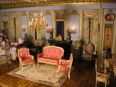 French style furniture miniatures: https://www.etsy.com/fr/shop/MiniMondeBoutique?ref=search_shop_redirect&show_panel=true http://montoutminimonde.blogspot.fr/