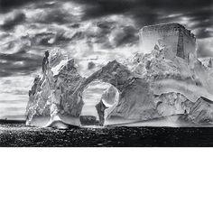 Reto 7: Sebastiao Salgado. Génesis. Iceberg entre la isla Paulet y las islas Shetland del Sur, en el mar de Weddell. Península Antártica. (2005) #retovisual0911 #ca0911