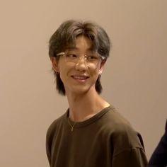 Seventeen Minghao, Fanfic Kpop, Androgynous Hair, Asian Short Hair, Mullet Hairstyle, Seventeen Album, Shot Hair Styles, Aesthetic Hair, Hair Inspo