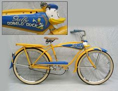 shelby donald duck bike with quacking horn Old Bicycle, Bicycle Women, Old Bikes, Velo Beach Cruiser, Cruiser Bicycle, Recumbent Bicycle, Vintage Cycles, Vintage Bikes, Antique Bicycles
