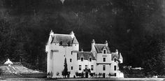 Old photograph of Meggernie Castle, Perthshire, Scotland Scottish People, Scottish Castles, Old Photographs, Chateaus, Cathedrals, Countries Of The World, Palaces, Perth, Edinburgh