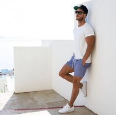 This Mens summer casual short outfits worth to copy 8 image is part from 75 Best Mens Summer Casual Shorts Outfit that You Must Try gallery and article, click read it bellow to see high resolutions quality image and another awesome image ideas. Summer Outfits Men, Short Outfits, Mens Summer Shorts, Men Summer, Outfit Summer, Summer 2016, Casual Shorts Outfit, Casual Outfits, Streetwear