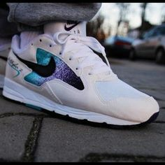 Nike Air Skylon 2 Road Man Shoes Looks like a Galaxy in the Quarter area of the shoes Running Sneakers, Air Max Sneakers, Shoes Sneakers, Man Shoes, Nike Runners, Baskets, Sports Footwear, Retro Sneakers, Nike Air Max