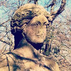 WEBSTA @ mademoisellepilaf - «Tu ch'entri qua pon mente parte a parte et dimmi poi se tante maraviglie sien fatte per inganno o pur per arte »#art #artitaly #tuscia #bomarzo #garden #gardenofbomarzo #parcodeimostri #viterbo #tusciafotografia #tuscialife #bomarzogardentours #romanart #orsini #arte #art🎨 #artphotography  #artphotogram_club #art_ #artphotogram #volgolazio #volgoitalia #artph #lazio #altatuscia