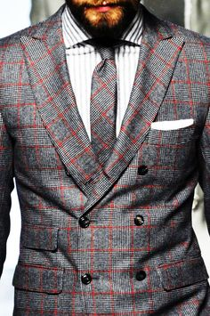 Just don't know if I could match my tie to my suit jacket. Unless I'm going for some dramatic runway statement. But this. This cut. This pattern. Those lapels. Beauty.