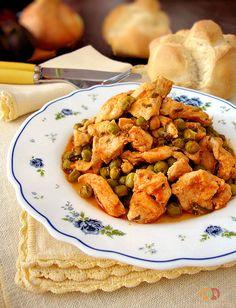 Bocconcini di pollo con piselli e pomodoro http://blog.giallozafferano.it/graficareincucina/bocconcini-di-pollo-con-piselli-e-pomodoro/