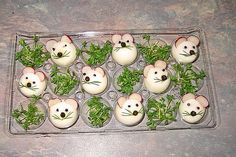Eier-Mäuse von moosmutzel311 | Chefkoch Year Of The Rat, Snacks Für Party, Food Decoration, American Food, Mouse Parties, Deviled Eggs, Culinary Arts, Chinese New Year, Kids Meals