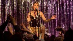 1980-luvun lopulla suosioon noussut tähtiartisti saa oman elokuvan. Iskelmälaulaja Kikka, eli Kirsi Sirén on kotimaisen viihdetaivaan ikonisimpia tähtiä. Vuonna 2005 ajasta ikuisuuteen siirtynyt Kikka on yhä yksi Suomen kaikkien aikojen eniten myyneistä naisartisteista. Kikan elämästä ja urasta Teaser, Concert, Concerts