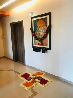 Lakshmi or saraswati Rangoli Designs Flower, Colorful Rangoli Designs, Rangoli Designs Images, Rangoli Designs Diwali, Diwali Rangoli, Beautiful Rangoli Designs, Ganesha Rangoli, Flower Rangoli, Diwali Decoration Lights