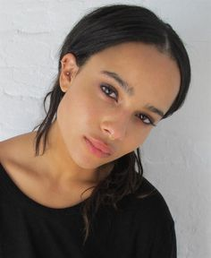 WOMEN MANAGEMENT / ZOE KRAVITZ