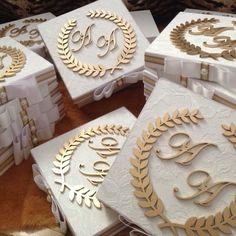 #caixaspersonalizadas #caixaemtecido #caixaemmdf #caixas #caixasespeciais #caixaspadrinhos #caixasde - decorart_se Scroll Wedding Invitations, Wedding Invitation Cards, Wedding Cards, Bridal Gifts, Wedding Gifts, Wood Invitation, Creative Box, Decoupage Vintage, Wedding Favor Boxes