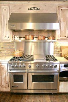 Home dream kitchen stove 28 Ideas Kitchen Stove, Kitchen Redo, Home Decor Kitchen, New Kitchen, Home Kitchens, Kitchen Remodel, Kitchen Appliances, Kitchen Ideas, Stove Oven