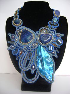 If I only had the patience for making seed bead necklaces...This is just beautiful!!!!