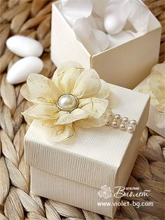 Floral Wedding Bomboniere www.violet-weddinginvitations.com #ivory #wedding #favours