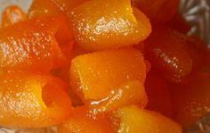 MALZEMELER: 5 turunç kabuğu, 1 kg . şeker, 500-750 gr. su, 1 limon suyu veya 1 gram limon tuzu kullanılır. YAPIL...