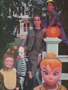 Ladies Home Journal - October, 1964 1960s Decor, Vintage Halloween, Vintage Children, 1970s, Magazines, October, Vintage Fashion, Ads, Journal