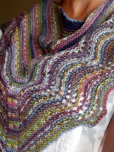 Mavivi tejiendo: Chal  mini multicolor