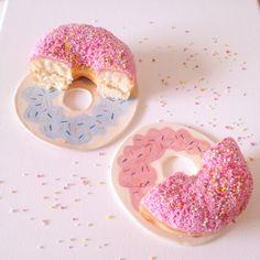 Set of Ceramic Donut Plates