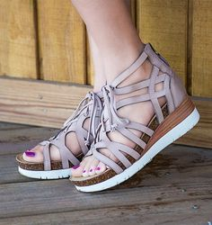 Fierce and festival-ready in the ESCAPADE, the ultimate OTBT wedges for Coachella and beyond! Pink Wedge Sandals, Stylish Shoes For Women, Comfortable Sandals, Comfortable Fashion, Travel Shoes, Shoes With Jeans, Clearance Shoes, Loafer Shoes, Loafers